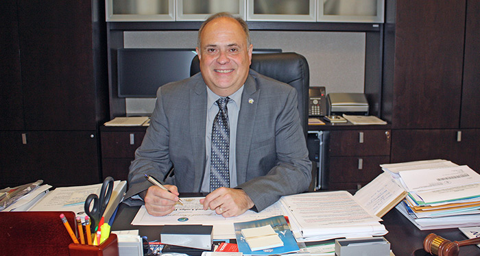 Alcalde Juan Carlos Bermudez y El Secreto de sus Triunfos