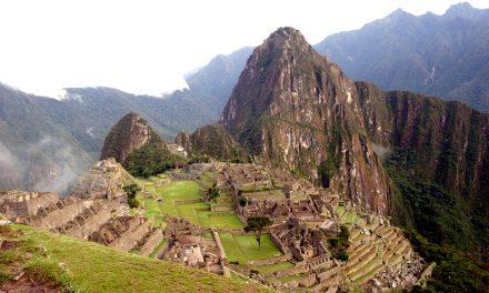 Machu Picchu en presencia de sus Dioses